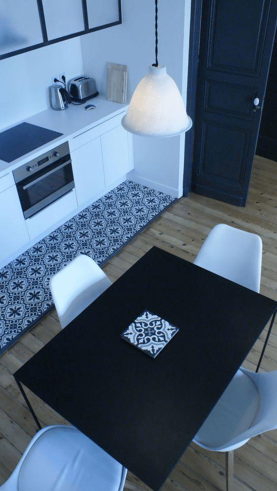 Délimiter un espace avec des carreaux de ciment