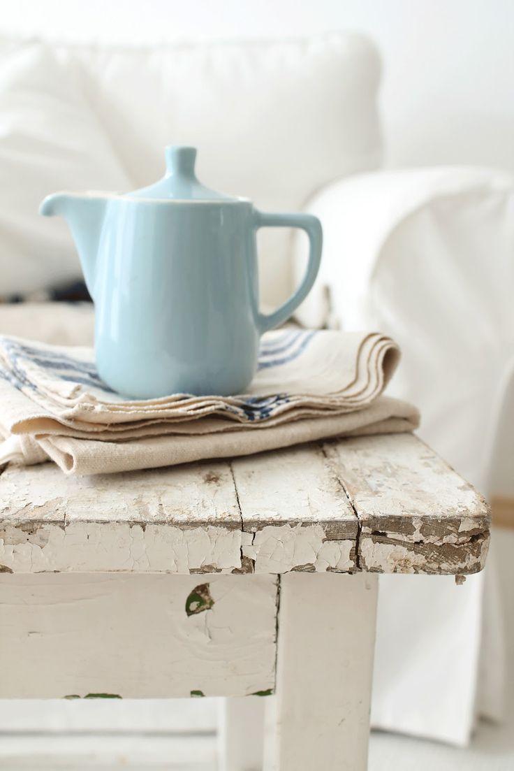 : Cottages Style, Teas Time, Shabby Chic, Color Blue, Teas Pots, Vintage Shops, Blue Teapots, Ducks Eggs Blue, Blue Crush