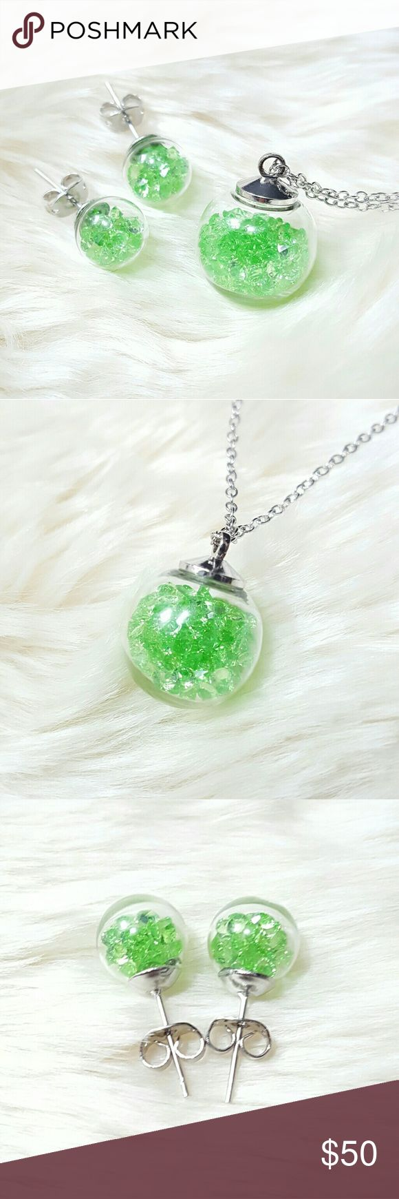 """⤵⤵Wishing Glass Set Swarovski Green Crystals Welcome!   One Of The Kind Elegant Gorgeous Beautiful New 18 mm Round Wishing Glass Set w. Swarovski Crystal Elements & Silver Plated Chain   Order Included: 1set x 18mm Round Wishing Glass Set w. Swarovski Elements Crystal & Silver Plated Chain. Lobster Clasp. Chain size approximately 16.5"""" - 18.0""""  Fast Shipping  Free House Gift (limited amt) Shop close Nov  Come visit for great selection of high end handbag accessories, twilly, purse…"""