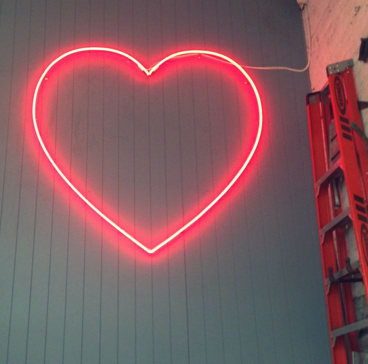 Pink Heart / New York by Flora Carreno