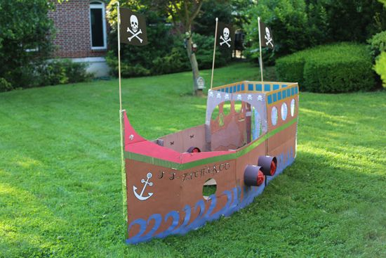 Amazing DIY pirate ship! A basic idea for Homecoming