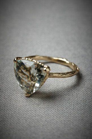 Ahh, green amethyst: Vintage Engagement Rings, Amethysts, Cocktails Rings, Style, Diamonds, Triangles, Beautiful Rings, Vintage Rings, Wedding Rings