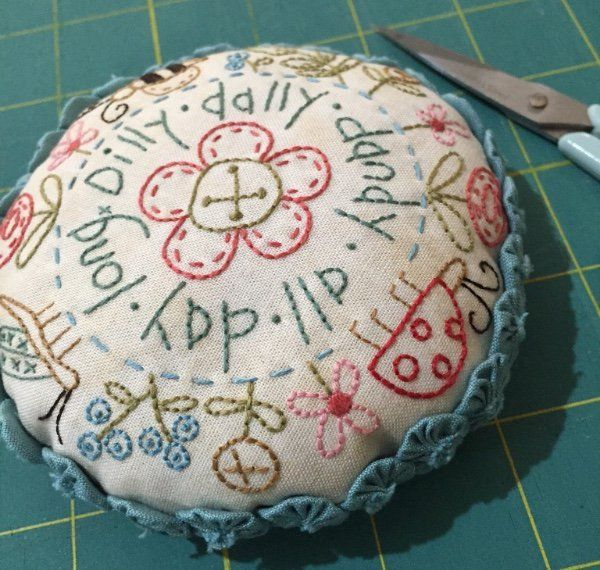 Dilly+Dally+Pincushion+-+by+The+Birdhouse+-+Pincushion+PatternSECONDARY_SECTION%2412.10%3A+Fabric+Patch%3A+Patchwork+Quilting+fabrics%2C+Moda+fabric%2C+Quilt+Supplies%2C%A0Patterns