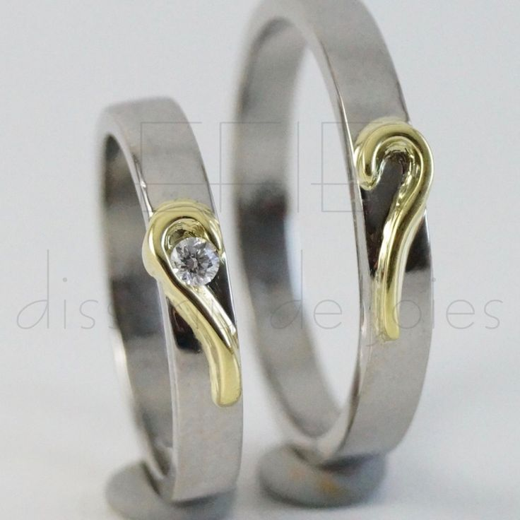Matching heart Wedding rings band set, white gold and yellow gold 18k, 0,05Ct diamond. Bright finish. Rediseñado y elaborado por Stephany Catalán Aravena