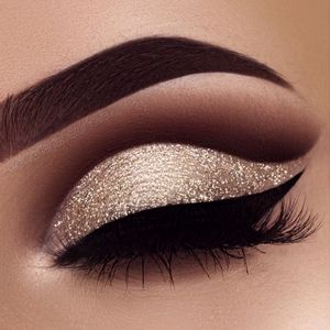 Eye Makeup - #Glitter #Cut #Crease Photo : @swetlanapetuhova - Ten (10) Different Ways of Eye Makeup