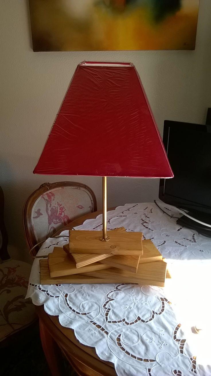 candeeiro em madeira reciclada