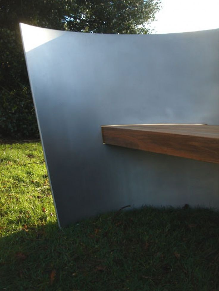 S seat designed by architect Ian Ritchie