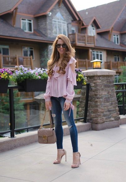 Lilac ruffles for dinner at the banff grizzly house 🙌🏻 bring on the fondue! My top is $54 and the fit is so cute! Get the details via the link in my profile or via @liketoknow.it http://liketk.it/2rNZo #liketkit #LTKunder50