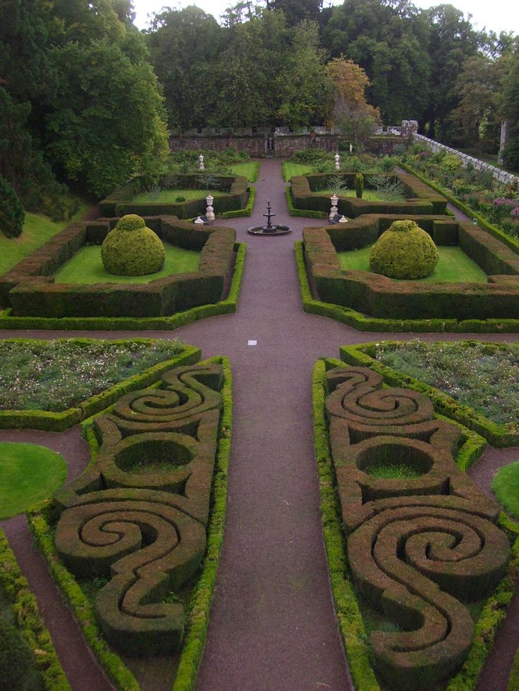 the beautiful walled italian garden at chillingham castle on walled id=75127
