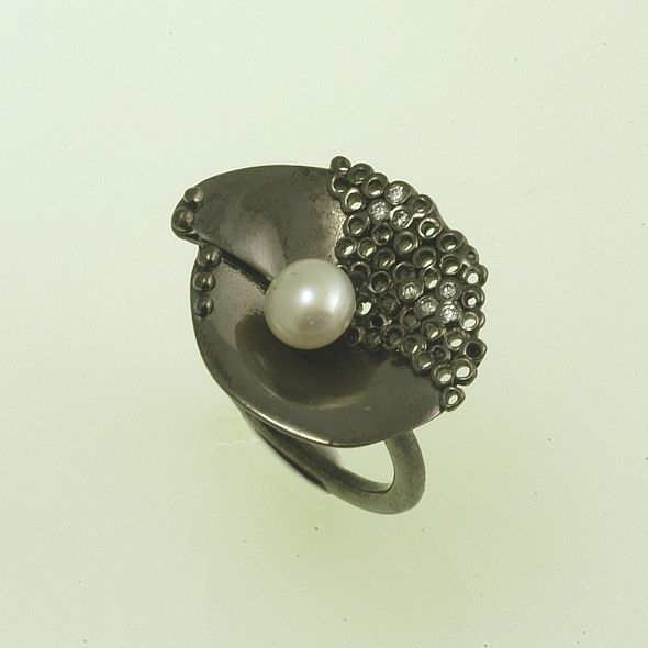 Ring Moonlight Iosif with ruthenium plated Silver 925,zircon stones & white akoya pearls. Ring Code:3381.RG.1508.SY.OS.001