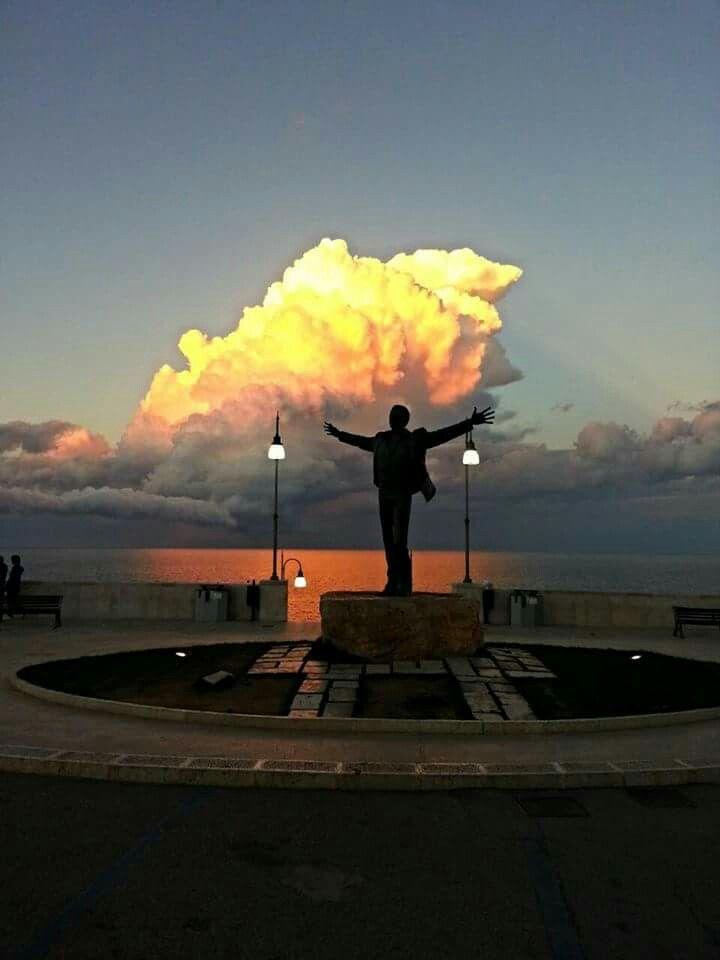 The spectacle of nature... https://m.facebook.com/story.php?story_fbid=1284937094884224&substory_index=0&id=723085364402736 #polignanomadeinlove #polignanolovers #weareinpuglia #puglialways #inpuglia365 #sunset #DomenicoModugno #polignanoamare #visitpuglia