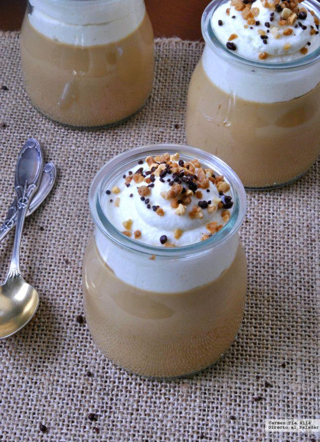 Vasitos fáciles de crema de café con chantilly. Receta para una sobremesa elegante y glamurosa
