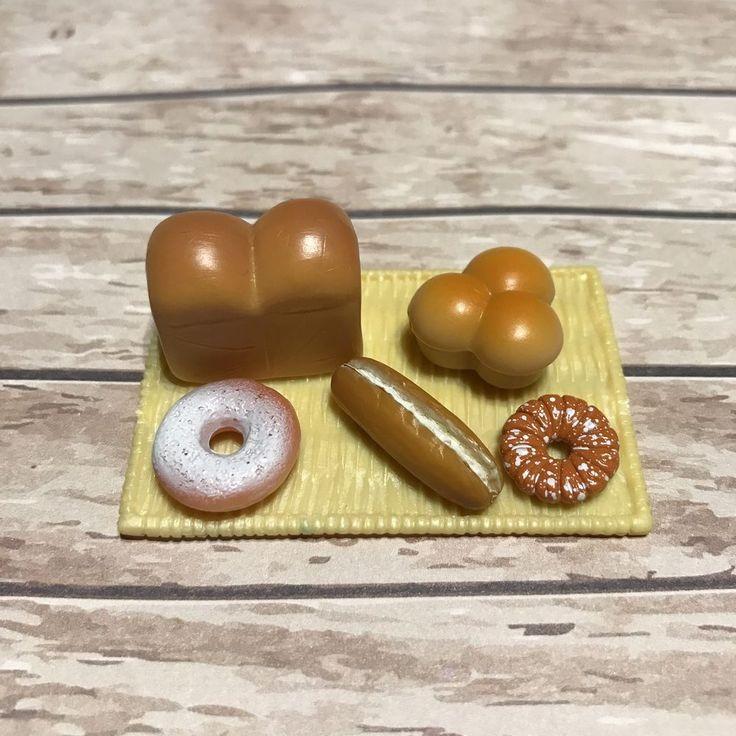 Sylvanian Families Kitchen Bakery Food Spares | Large Tray Bread & Pastries (a) #SylvanianFamilies