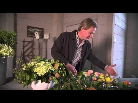 P. Allen Smith demonstrates how to make a beautiful floral arrangement. I love how he started with the greenery - I've never thought of that!!