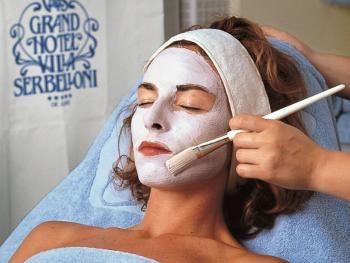 Trattamenti per il viso uomo e donna Beauty treatments for women and men