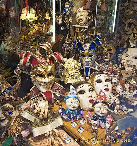 Shopping in Venice - Carnevale masks, anyone?