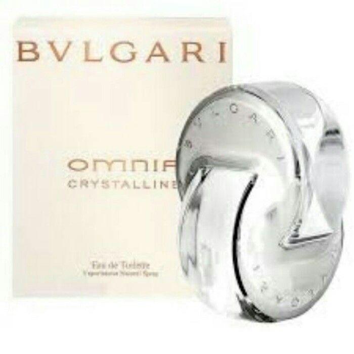 Omnia Crystalline aroma baru dari Bvlgari terinspirasi oleh kesempurnaan kristal. Ini adalah aroma nan halus dan lembut seperti sentuhan kelopak bunga. Komposisi yang berkilau menangkap esensi bunga buram. 'Omnia Crystalline' ini diciptakan olehAlberto Morillasadalah 2005. Tersedia dalam ukuran 65 Eau De Toilette.  Komposisinya diawali dengan wewangian yang tercipta dari musk yang memiliki aroma segar sangat asli dan spesifik kemudian dipadukan dengan oakmoss, cassia, tea, guaiac wood dan…