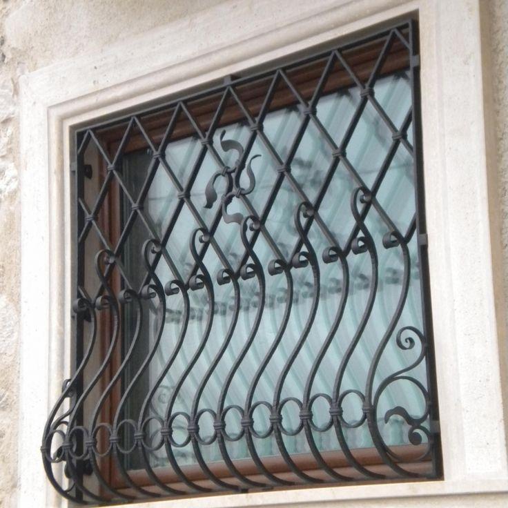 Protezione-in-ferro-battuto-decorato