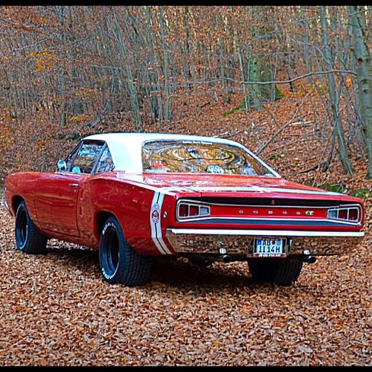 1968 Dodge Coronet SuperBee #dodgevintagecars #dodgeclassiccars