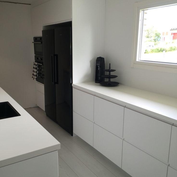 27 best ikea voxtorp white images on pinterest kitchen for Cuisine ikea gloss