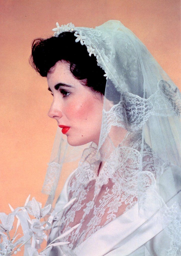Remembering Elizabeth Taylor: Her Life in Pictures
