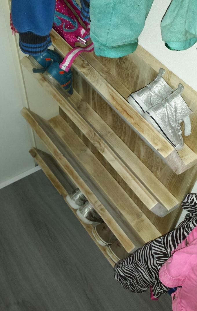 Meer dan 1000 idee n over foto planken op pinterest planken foto richel en palleten - Ruimte model kamer houten ...