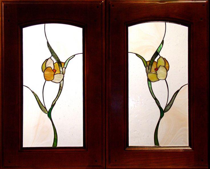 Witraże Meblowe | Witraże Latos | Witraż | Szkło Artystyczne. The simplicity of design and use of negative space create a stunning pair of windows