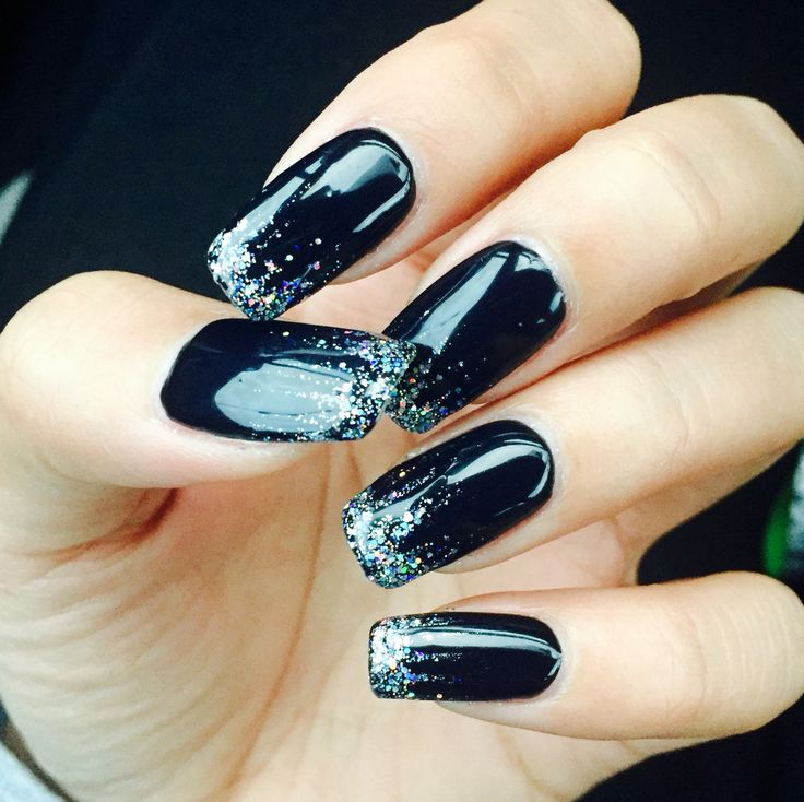 Black and Silver to ring in the New Year! #2016 #nailgame