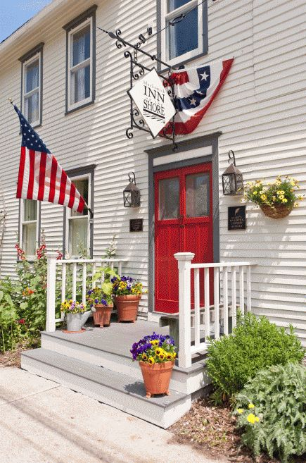50 Romantic Midwest Getaways   Midwest Living   Baileys Harbor, Wisconsin: Blacksmith Inn on the Shore