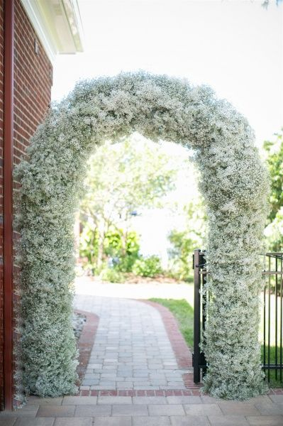 Baby's breath entrance arch! Welcoming the guests to your big romantic day ;)