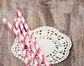 10 cannucce di carta a doppie strisce rosa