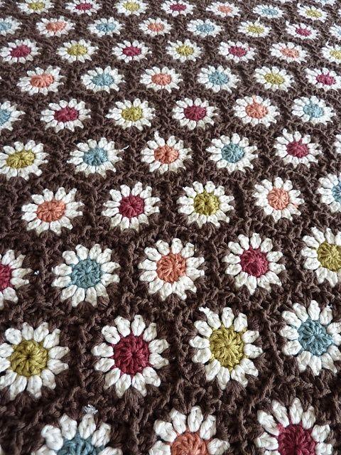 crochetCrochet Flowers, Crochet Afghans, Crochet Daisies, Crochet Hexagons, Daisies Afghans, Blankets Crochet, Attic24 Crochet, Hexagons Crochet Blankets, Hexagons Blankets