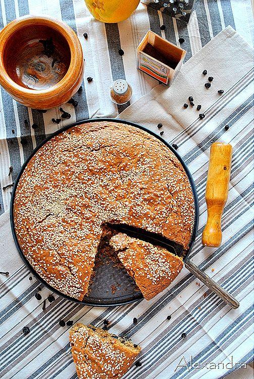Φανουρόπιτα η παραδοσιακή Μια παραδοσιακή συνταγή από την όμορφη Λέσβο για νηστήσιμη,πεντανόστιμη και μυρωδάτη Φανουρόπιτα!