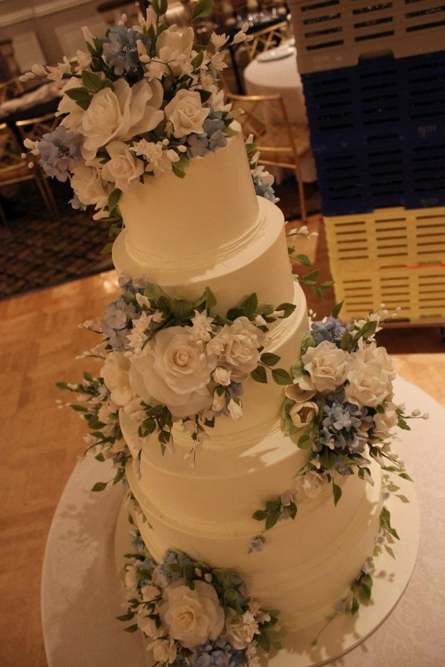 Sylvia Weinstock Cake  Cakes Wedding Bold and Beautiful  Amazing wedding cakes Cake