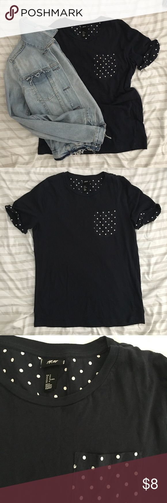 🌟H&M - polkadot  accented navy t shirt H&M size medium navy t shirt. Polka dot accent inside the neck area. Sleeve roll and pocket. Soft and cute! Wore it only couple times. Like new. - no tag H&M Tops Tees - Short Sleeve
