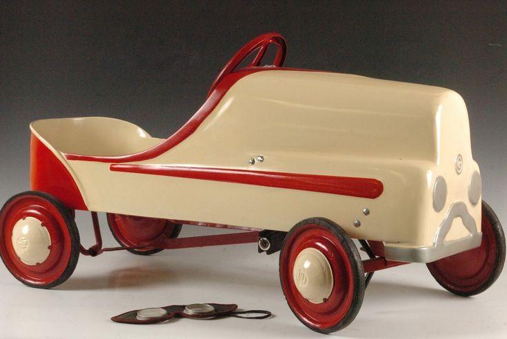 CIRCA 1930'S GENDRON PEDAL CAR