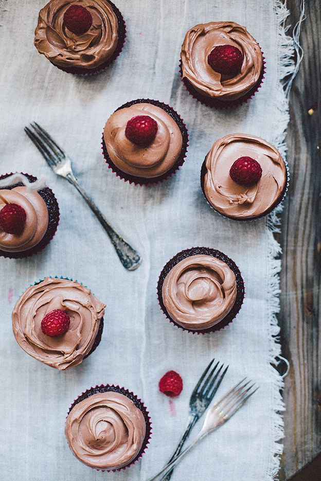 Chocolate cupcakes with milk chocolate frosting. | Linda Lomelino