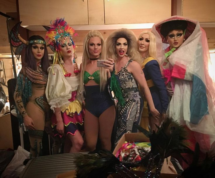 "Trinity ""the tuck"" Taylor, Violet Chachki, Derrick Barry , Alyssa Edwards, Detox Icunt & KimChi"