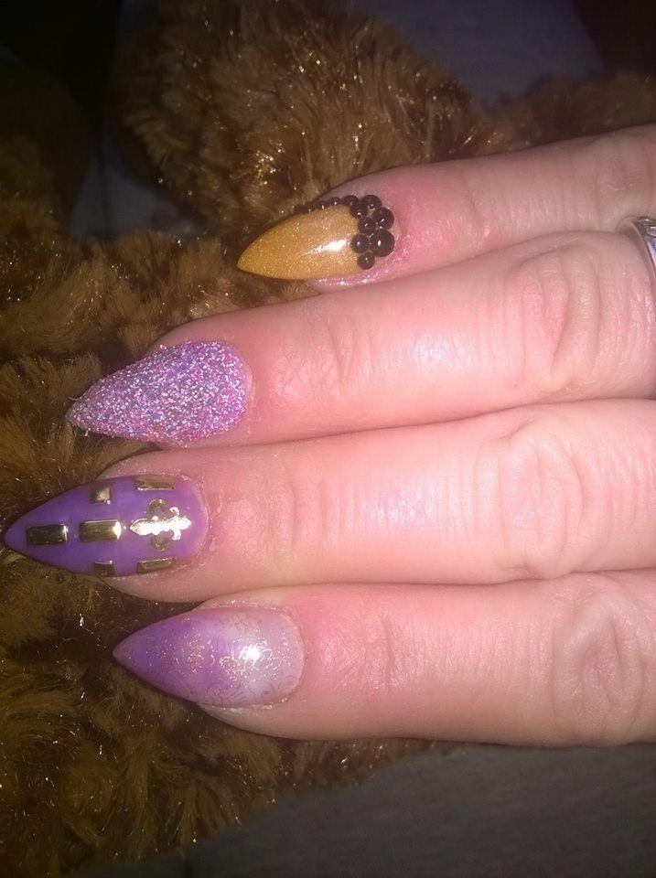 violet acrylic nails