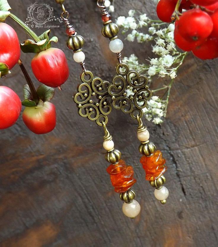Boucles ambre, grenat, pierre de lune adulaire, métal bronze: ᘛ Talisman des Apothicaires draconiquesᘚ : Boucles d'oreille par obijouxlegendaires