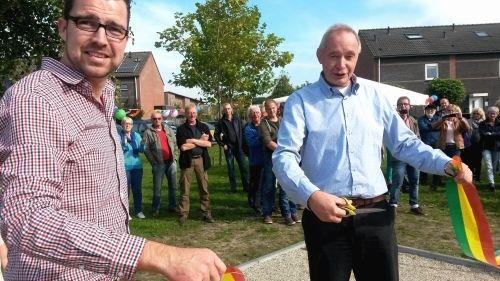 Nieuwe jeu de boulesbaan symbool voor meer onderlinge verbondenheid in Asser wijk Kloosterveen - Asser Courant | Nieuws, achtergronden, sport en colums uit Assen en omstreken