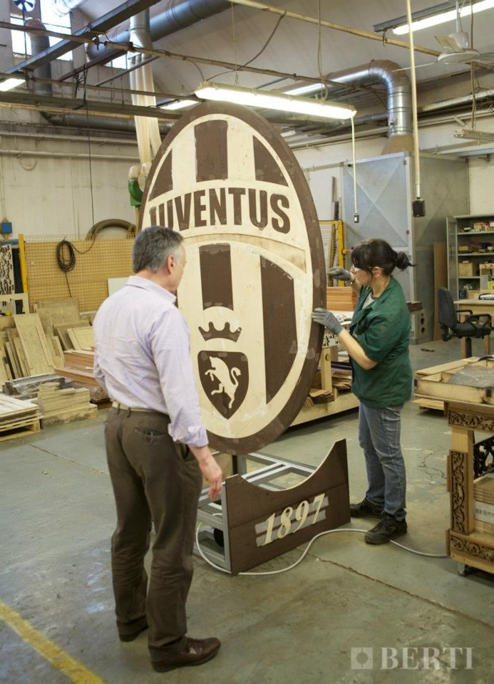 Work in progress Juventus coat of arms. #parquet #parquetlovers