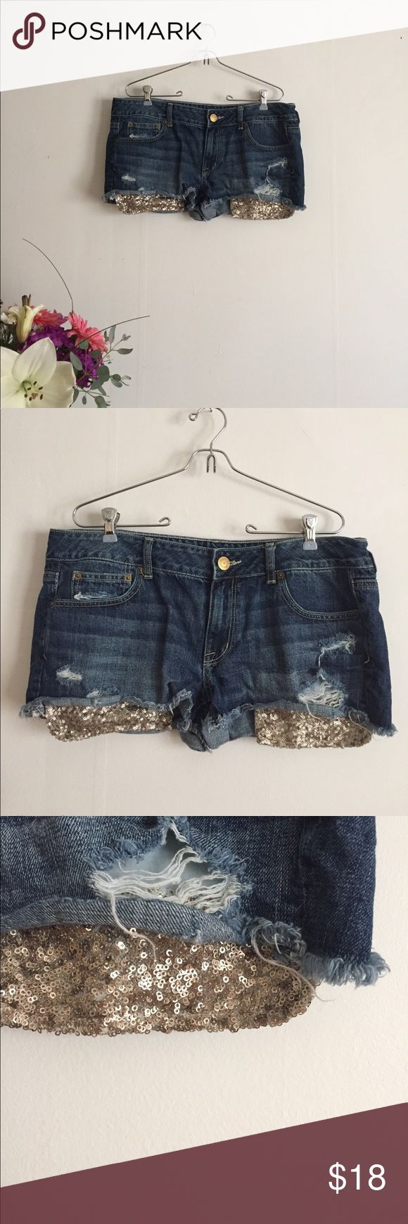 ae gold sequin pocket shorts Great condition. Flat measurements: 18.75 inch waist, 2.25 inch inseam. 100% cotton. American Eagle Outfitters Shorts