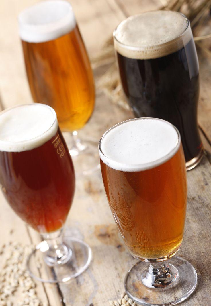 Bevete la birra dal bicchiere e non dalla bottiglia. In questo modo potrete meglio apprezzarne l'aroma ed il colore prima di sorseggiarla, bevendo lentamente in modo da gustare appieno gli aromi. #birre #irlanda