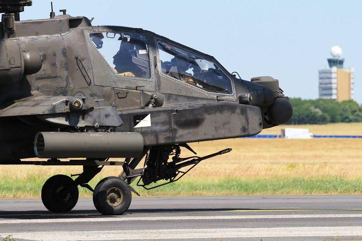 Amerikai harci helikopterek szállták meg Ferihegyet | Az online férfimagazin