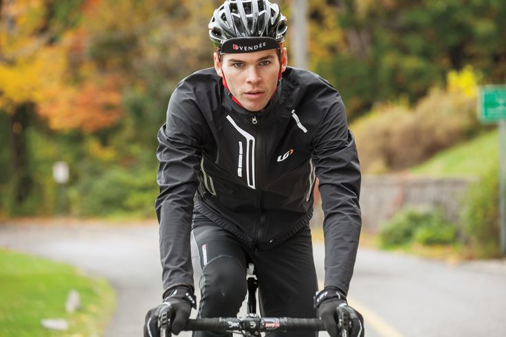 Through partnership with Polartec®, Louis Garneau has created a completely waterproof jacket that acts as a hardshell yet has the ventilation, stretchability, and softness properties of a softshell. With completely waterproof features such as a full length reversed waterproof zip lined with an inner flap, sealed seams, velcro-adjustable wrists and a silicone gripper.
