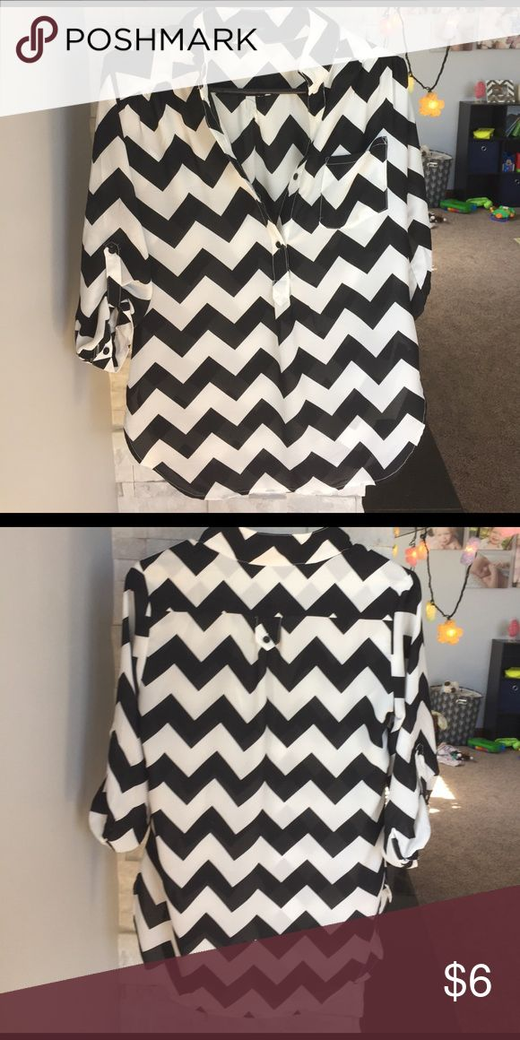 Chevron Top Cute black and white chevron top. Hardly worn. Tops Blouses