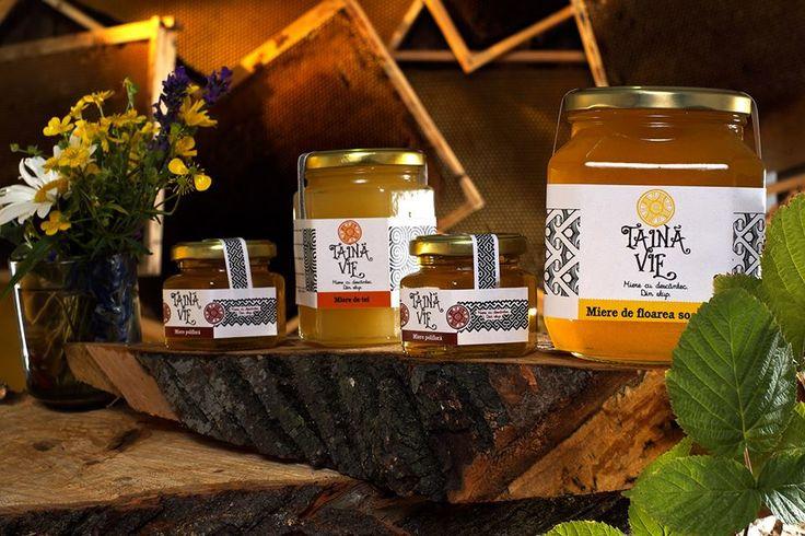 """Va impartasesc o taina: la Targul de toamna de la Hanul Manuc,cea mai buna miere pe care ati gustat-o vreodata-Taina Vie. """"Când vorbim despre miere de albine, vorbim despre autentic si nemuritor. Noi am conservat tradiția și respectul față de acest produs plin de har și am dezvoltat la ferma noastră nu doar un centru de produse apicole tradiționale, ci și un izvor de sănătate, mierea noastră fiind în totalitate produsul albinelor, fără adaosuri de nici un fel."""" http://www.tainavie.ro/"""