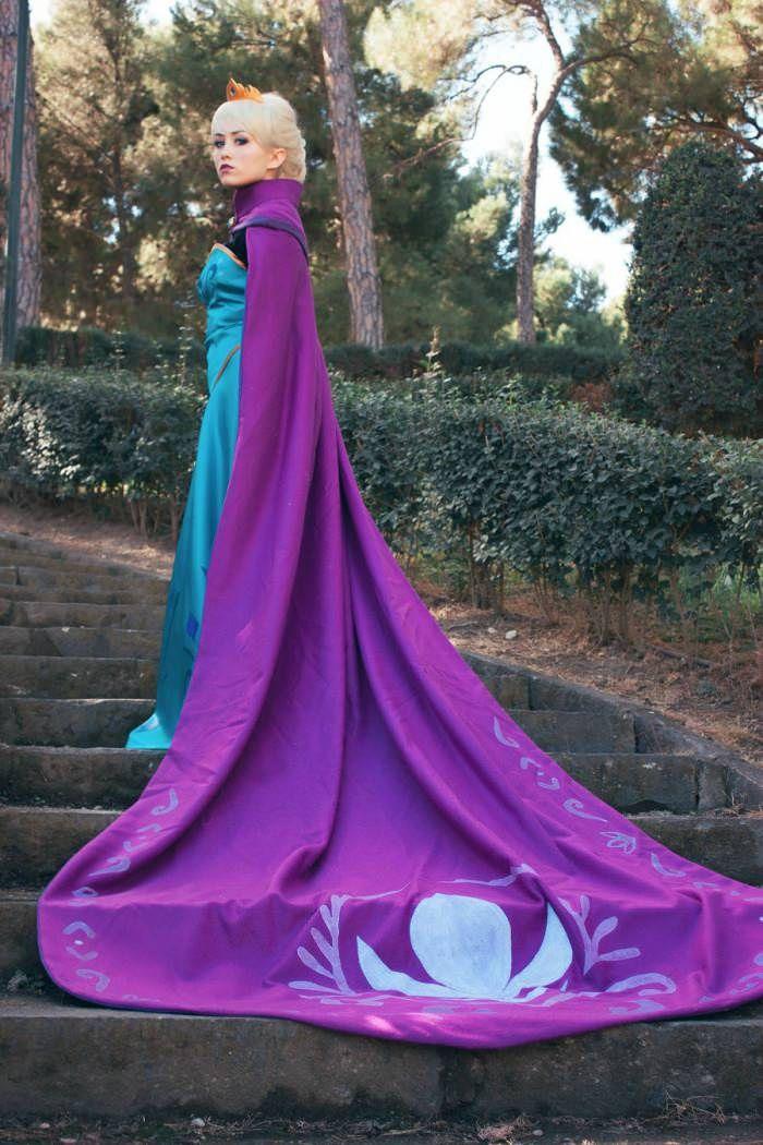 Frozen - Elsa (Coronation Dress) by Marta (Nunnally)