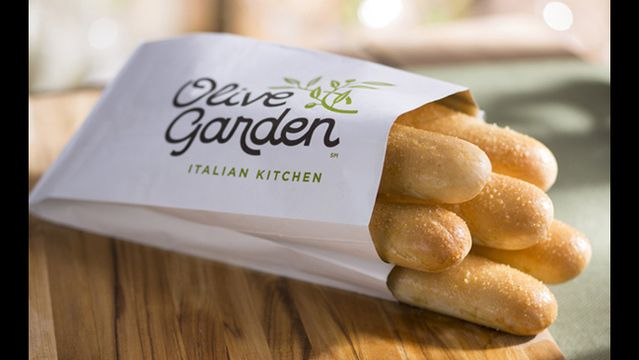 An Olive Garden chef shares his secrets for a mouth-wateringbreadstick sandwich and deep-dish spaghetti pie.